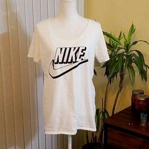 Nike Tee White Black Short Sleeve Scoop Neck